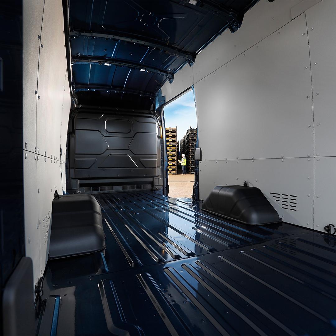 5-tonne transit cargo area