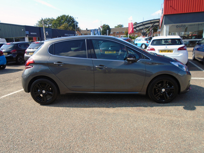 Ford PEUGEOT 208