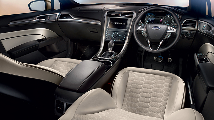 New ford vignale range hits geneva motor show busseys ford and peugeot norfolk - Ford mondeo interior ...