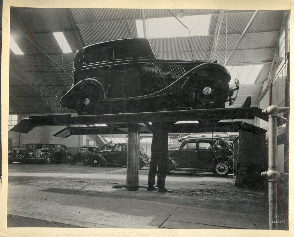 busseys workshop poss 1940s