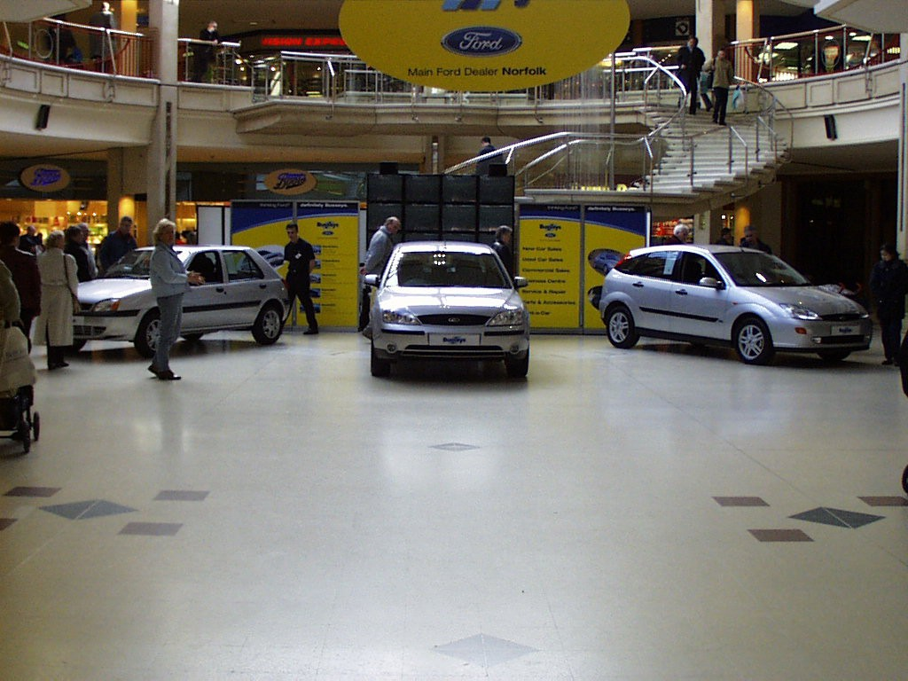busseys castle mall 2001
